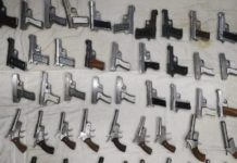 delhi Police caught arms consignment