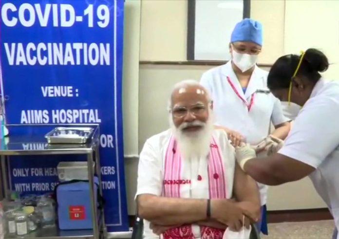 pm narendra modi vaccinated