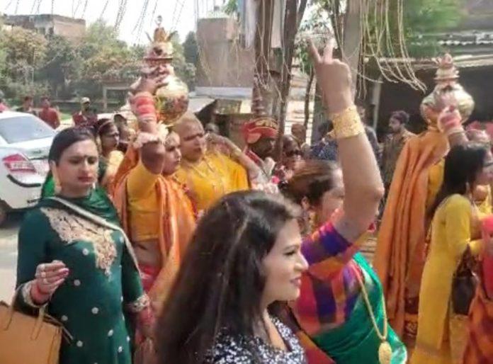 Eunuchs took out the Kalash Yatra