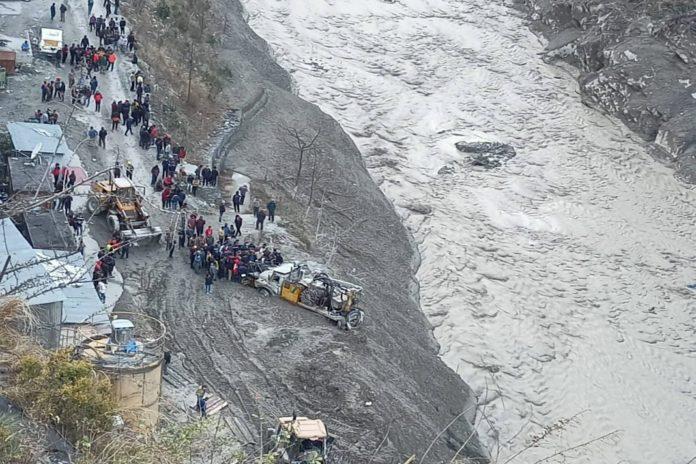 Glacier broken in Chamoli