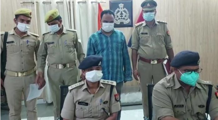 6 people arrested for cheating case